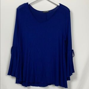 Cha Cha Vente royal blue top size PL bell sleeves
